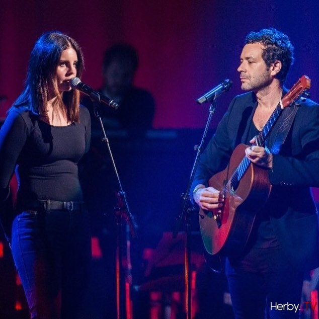Lana and Adam singing Chelsea Hotel #aboutlastnight #tribute #leonardcohen